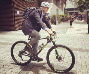 enrique-penalosa-bicicleta-bogota