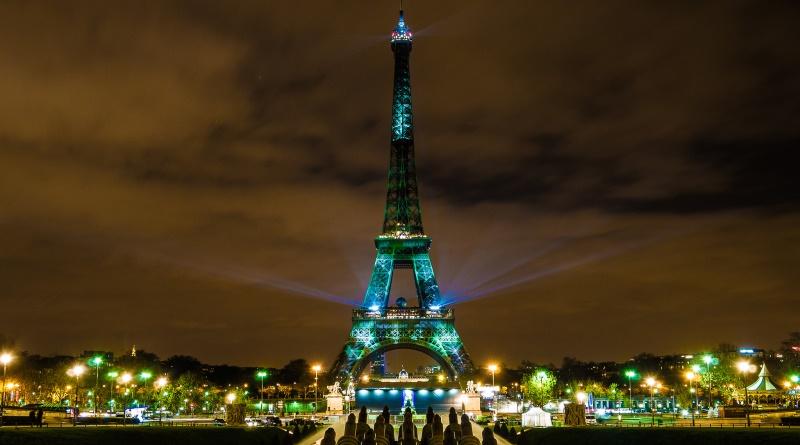 Paris iluminada para COP21