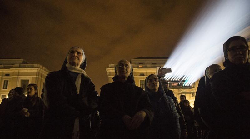 vaticano-iluminado-clima-3-800
