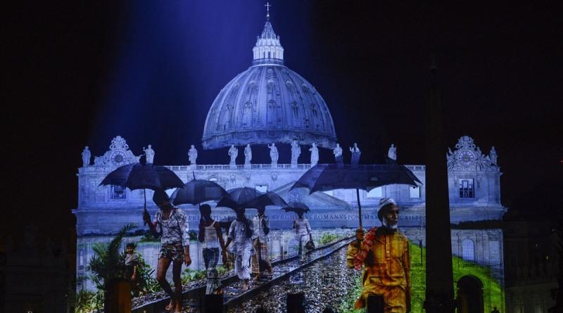 show de projeções sobre clima no vaticano