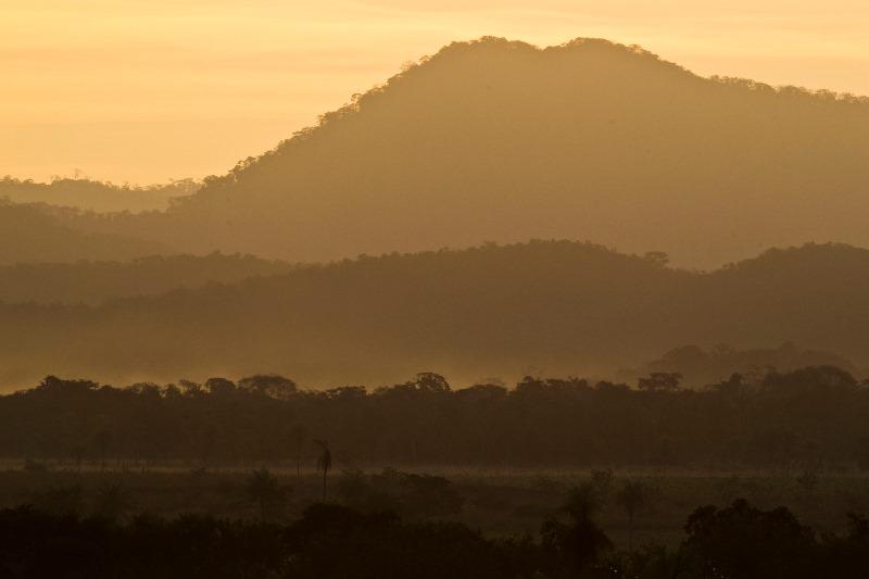 fotografia-no-pantanal-joao-marcos-rosa-amanhecer-na-serra-da-bodoquena-800