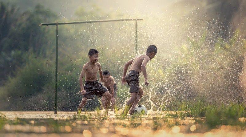 Por uma infância com mais liberdade (e riscos), descobertas e conexões