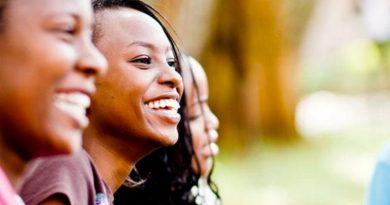 Reino Unido oferece bolsas de mestrado em Ciências para brasileiras, negros e indígenas