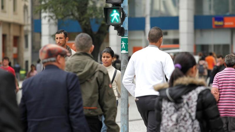 Em São Paulo, 97,8% dos idosos não conseguem atravessar a rua no tempo dos semáforos