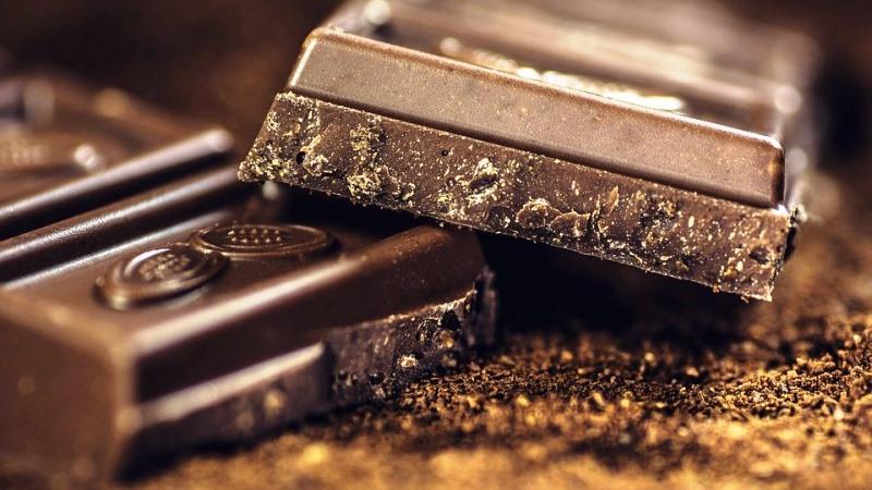 Chocolate melhora concentração, velocidade do pensamento e memória, revela estudo
