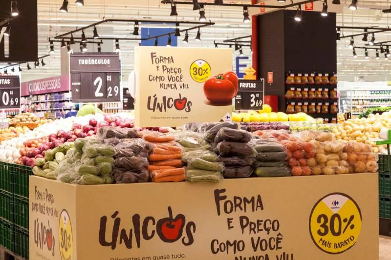 """Supermercados brasileiros começam a vender alimentos """"imperfeitos"""" com desconto"""