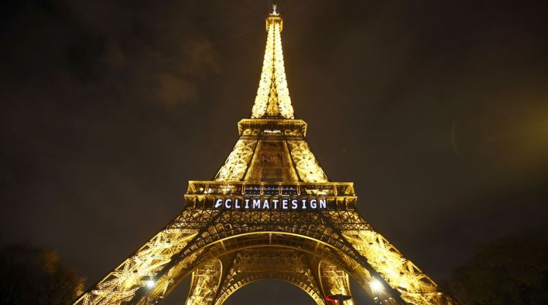 França é primeiro país do mundo a proibir exploração de gás e petróleo