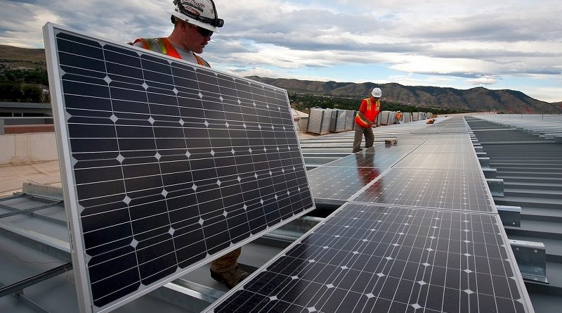 Energia solar é o setor que mais gerou empregos nos Estados Unidos