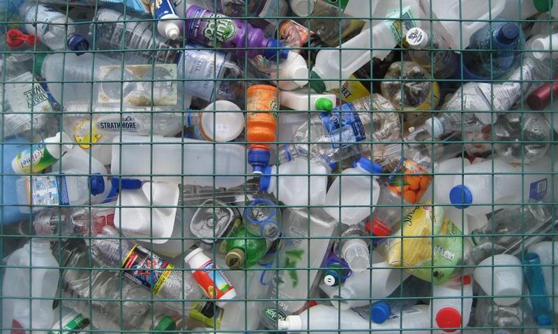 5e23f3459dc Reino Unido anuncia plano de combate ao plástico