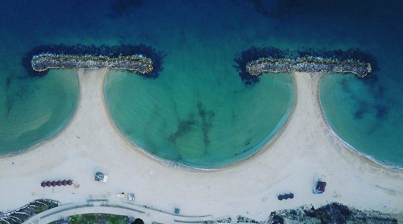 Em apenas um ano, Israel reduz em 50% o descarte de sacolas plásticas em seu litoral