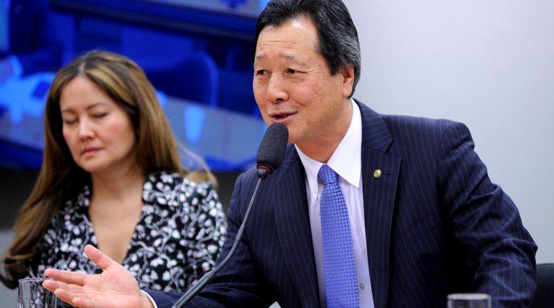 "Luiz Nishimori, deputado relator da ""Lei do Veneno"", é dono de empresas que vendem agrotóxicos"