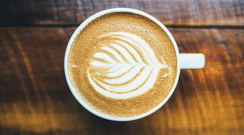 cappuccino com semente de jaca tem aroma de cacau