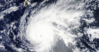 Cercado por três furacões e uma tempestade, Havaí tem chuva recorde