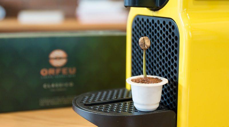 Cápsula de café?! Só se for brasileira, biodegradável e que vira adubo em 4 meses