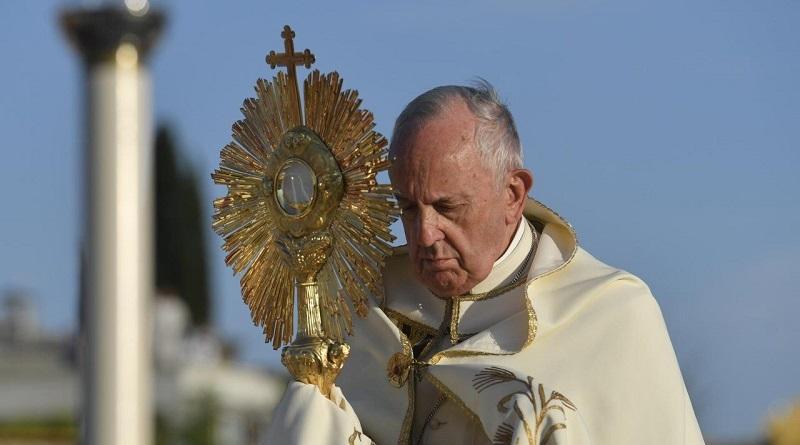 """""""Uma mentalidade cega e destruidora privilegia o lucro sobre a justiça na Amazônia"""", diz o Papa Francisco"""