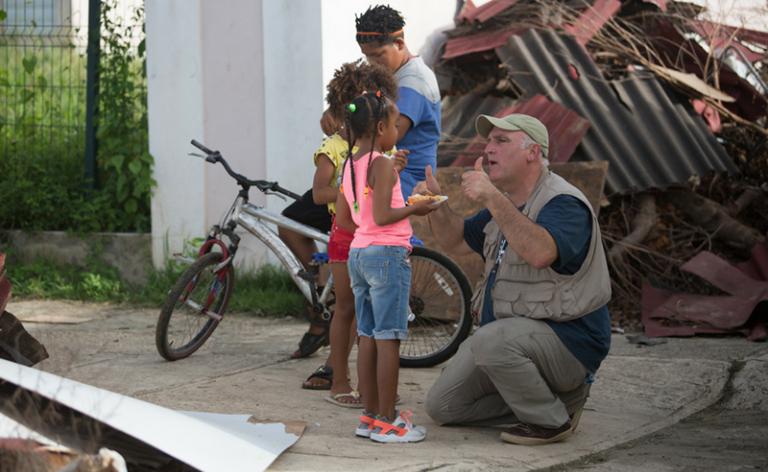 José Andrés, um dos chefs mais famosos do mundo, está nas Bahamas cozinhando para vítimas do furacão Dorian