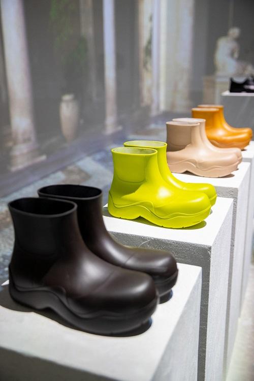 Marca italiana apresenta botas 100% biodegradáveis, feitas com moléculas de cana-de-açúcar e café