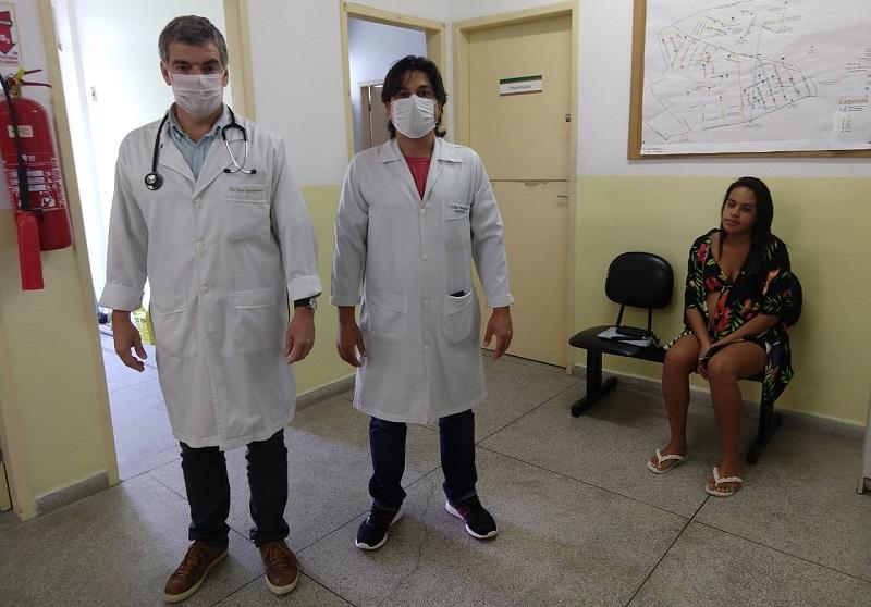Médicos criam rede de atendimento gratuito pela internet, redes sociais e WhatsApp para esclarecer dúvidas sobre o coronavírus