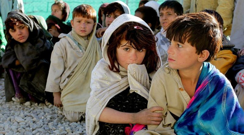 crianças-pobreza-afeganistão