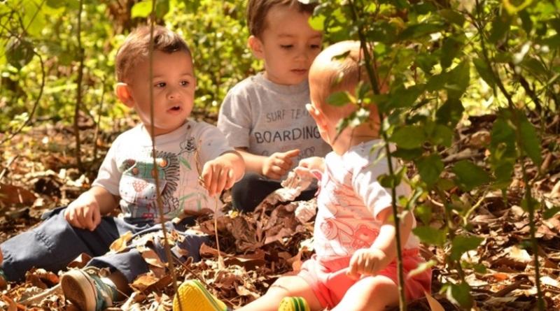 criancas-brincando-ar-livre