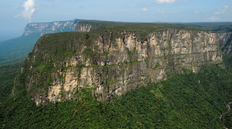 expedição às montanhas da Floresta Amazônica