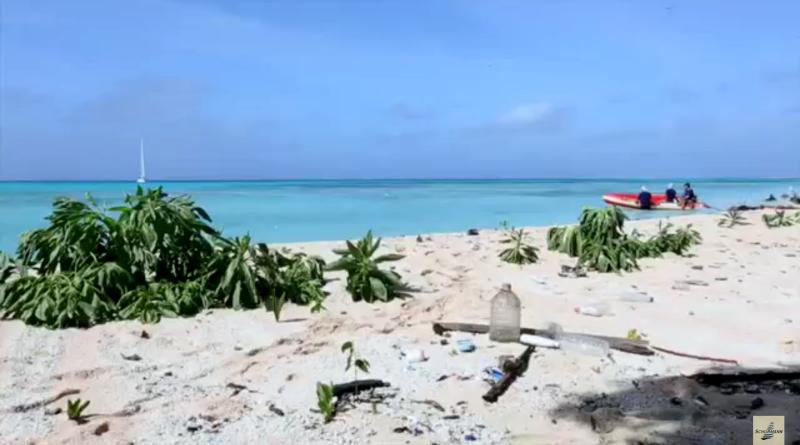 familia-schurmann-lixo-ilha-deserta-800