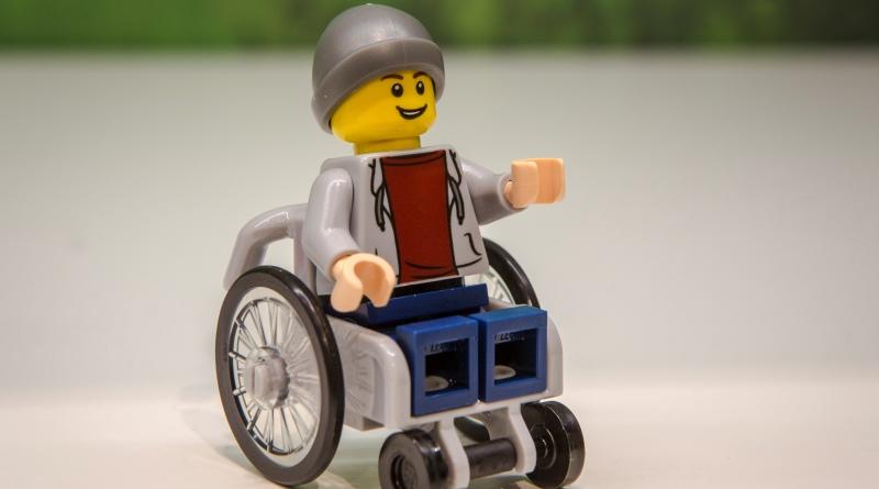 lego-cadeirante-800