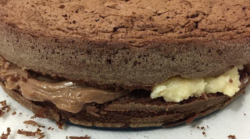 minha-mae-fazia-bolo-chocolate-beijinho-800