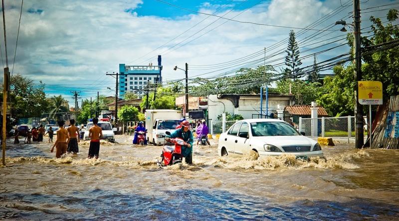 enchente causada pelas mudanças climáticas