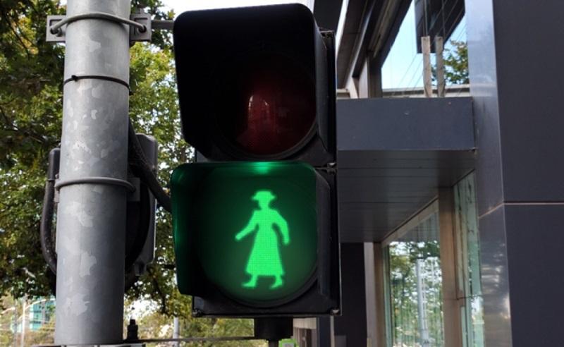 peatonito-semaforo-para-pedestres-800-