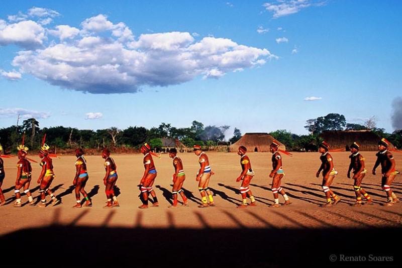 5-amerindios-do-brasil-kuarup1-renato-soares
