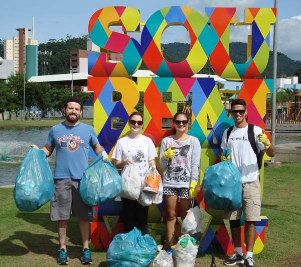 ação do movimento Juventude Lixo Zero Brasil