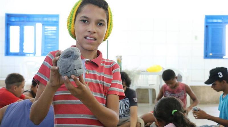 Oficina para crianças em Juazeiro no Norte (BA), ministrada por Murilo Cesca FOTO LINO FLY#