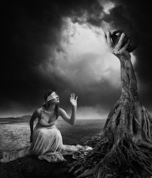is-there-anybody-out-there-bw- Erik Brede 510x600