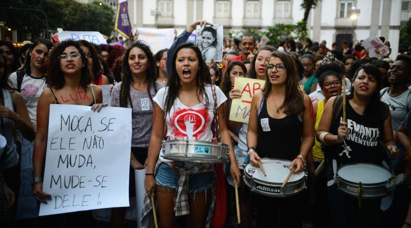 brasileiras-saem-ruas-pedir-fim-violencia-mulheres-4-800