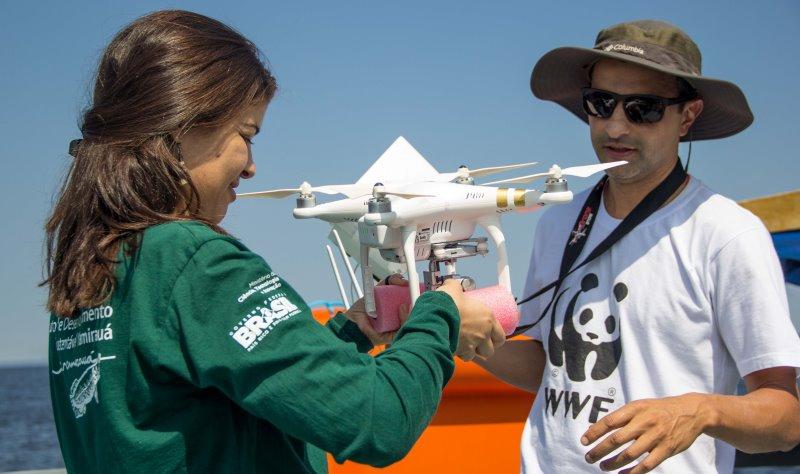 drones-trabalho-conservacao-botos-amazonia-conexao-planeta