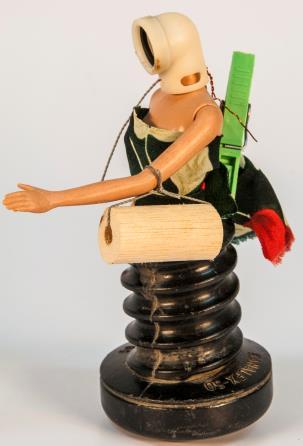 gandhy-piorski-lanca-livro-e-esposicao-brinquedos-robo-do-futuro-ok