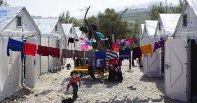 Abrigo para refugiados com painel solar ganha prêmio internacional de design