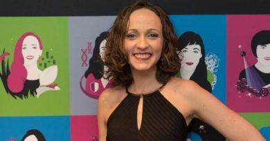 Bióloga brasileira ganha prêmio internacional da UNESCO de Jovens Talentos na Ciência