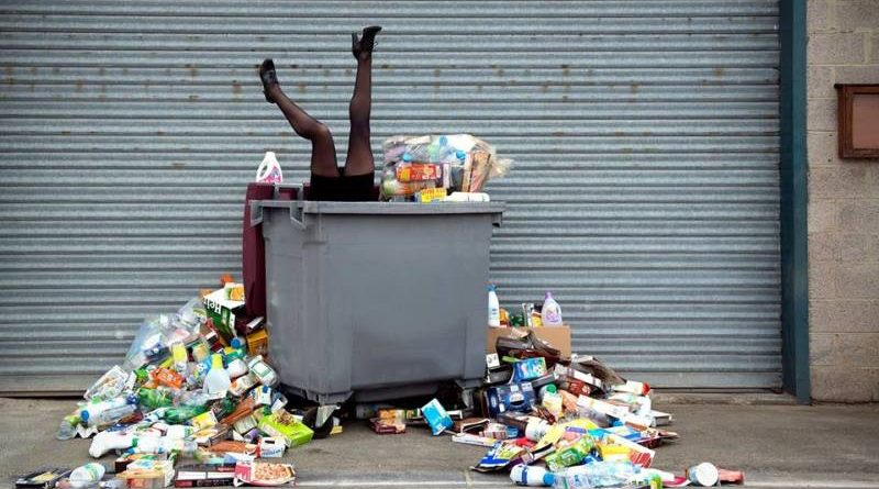 Fotógrafo mostra o resultado de 4 anos de lixo acumulado
