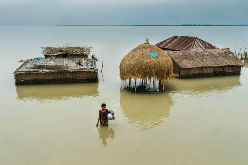 Enchentes causam 44 mortes no Texas. Na Índia, Nepal e Bangladesh, já são 1.2oo vítimas