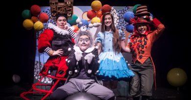 """""""Era uma vez...eram duas, eram três"""" leva o universo dos contos de fadas para os palcos de Curitiba"""