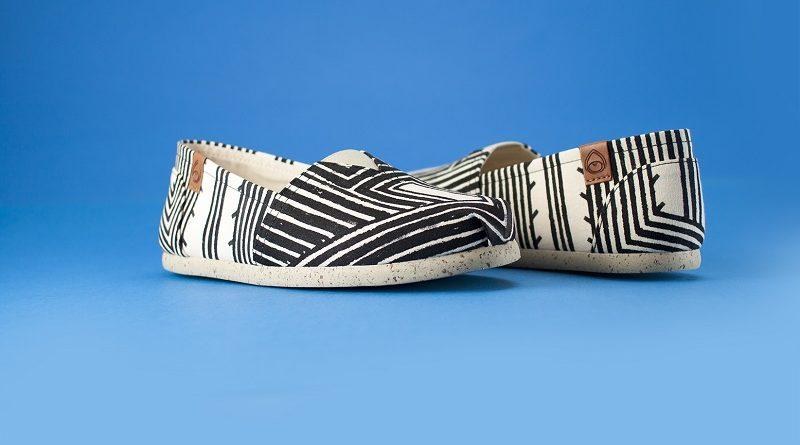 Alpargatas pintadas à mão por mulheres Kayapó ajudam na preservação da cultura indígena