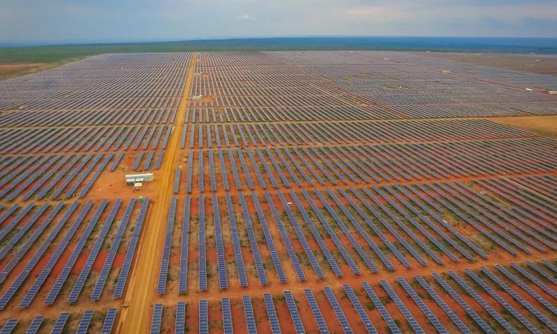 parque baiano com 330 mil painéis solares