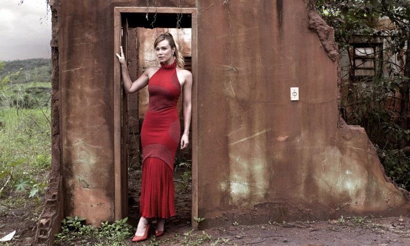 Mariana Ximenez faz campanha para que não esqueçamos a tragédia de Mariana