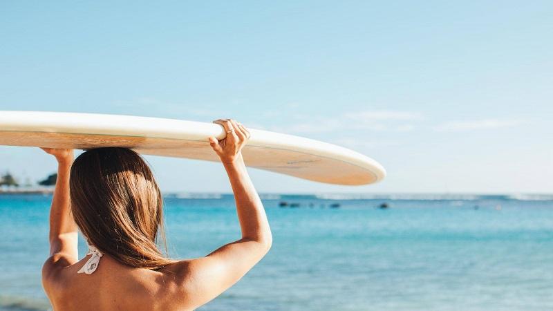 Havaí proíbe venda de filtros solares com substâncias prejudiciais aos recifes de corais