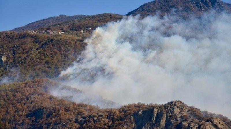 Incêndios provocam mortes e devastação na Grécia, países escandinavos e até, próximo ao Ártico