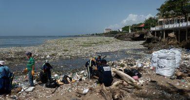 Santo Domingo declara estado de emergência por causa do lixo plástico