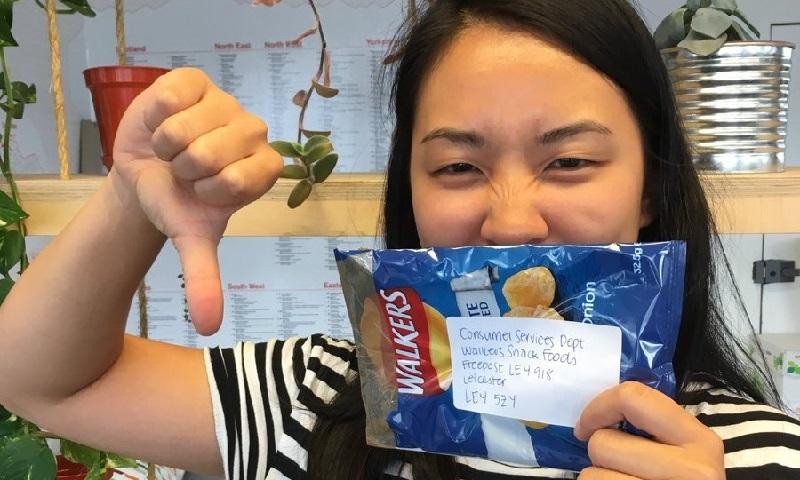 Ingleses devolvem milhares de embalagens de salgadinho para fabricante em protesto contra embalagens não-recicláveis