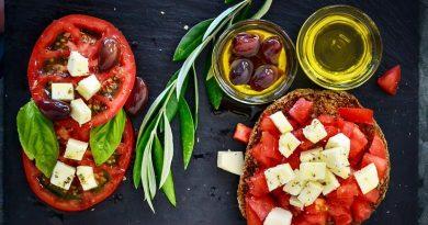Dieta mediterrânea reduz risco de depressão, enquanto consumo de junk food aumenta incidência da doença